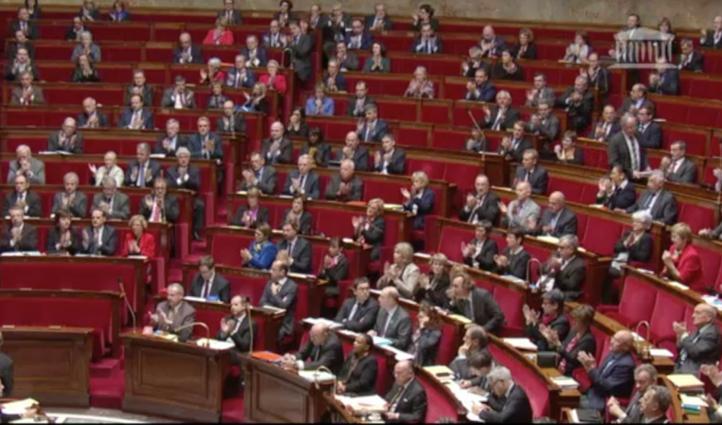 Tres meses más de estado de excepción en Francia