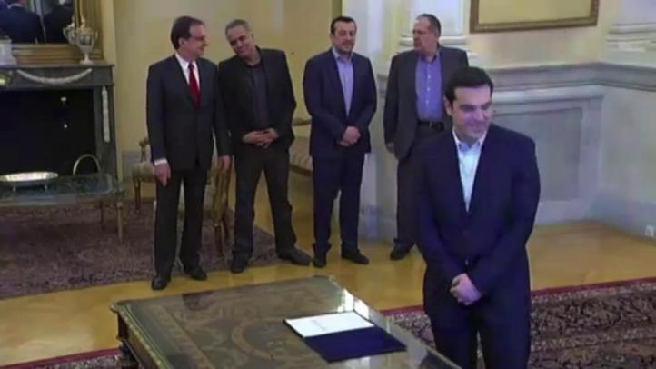 Alexis Tsipras jura como primer ministro de Grecia