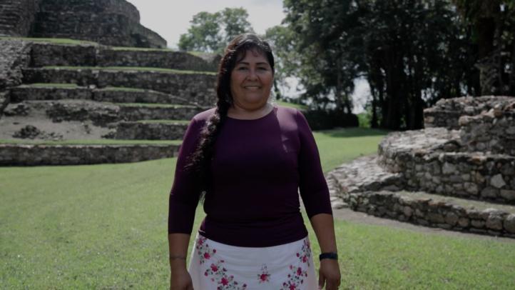 La historia de la concejala Sara López y la defensa del territorio maya