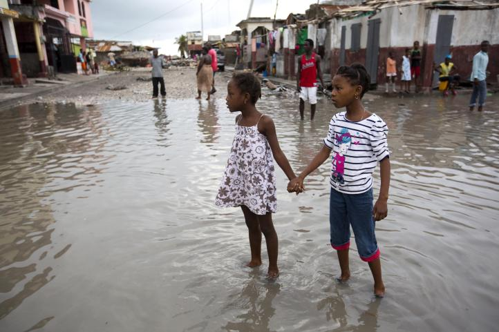 Aumentan víctimas de huracán 'Matthew' en Haití