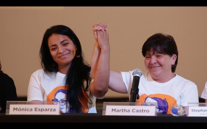 Tras 7 años de cárcel, liberan a mujer que fue obligada a incriminarse