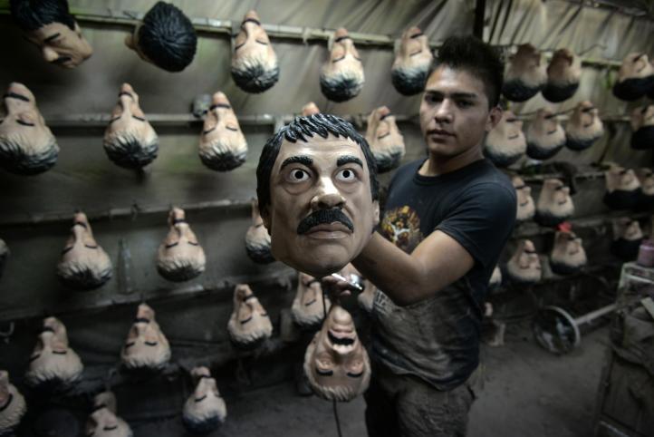 Máscaras de El Chapo y Trump, las más vendidas para día de muertos