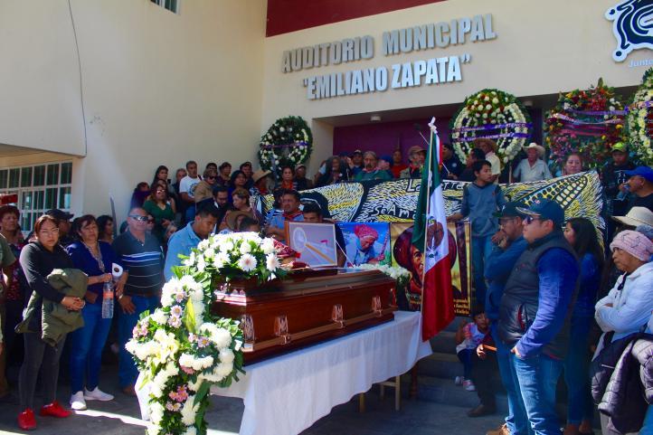 """En Atenco rinden homenaje de cuerpo presente a """"Lichita"""""""
