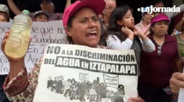 Vecinos de Iztapalapa exigen agua