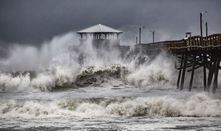 De categoría 2, 'Florence' se acerca a costas de EU