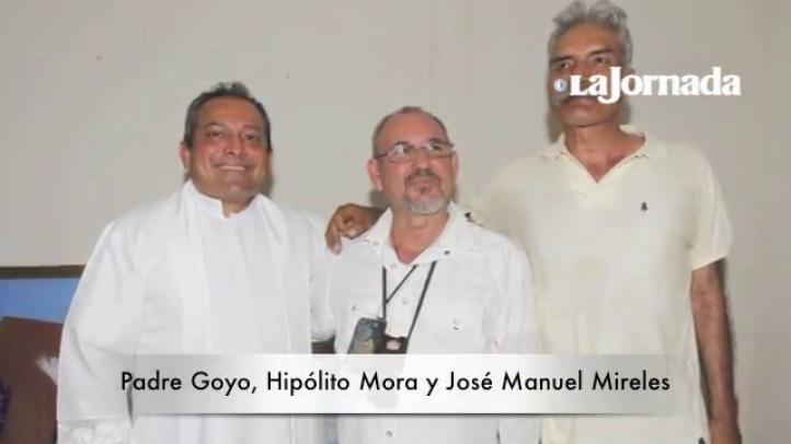 Hipólito Mora, José Manuel Mireles y el padre Goyo se encuentran en La Ruana