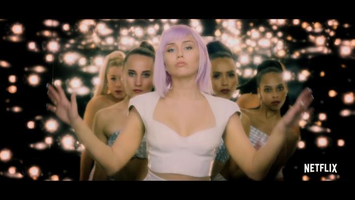 """Miley Cyrus denuncia en 'Black Mirror' """"la explotación de los artistas"""""""