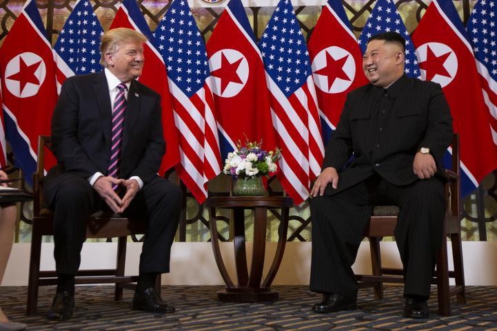 Trump y Kim inician con cena segunda histórica cumbre