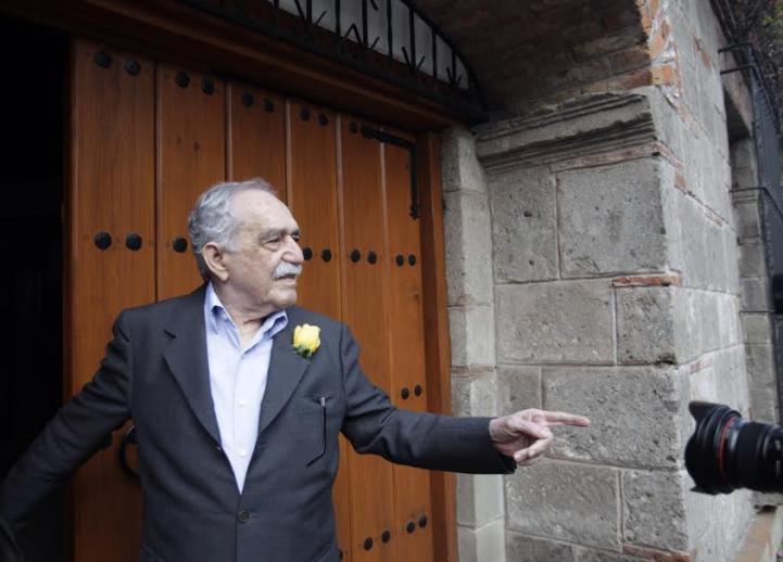 En su cumpleaños, García Márquez saluda a periodistas