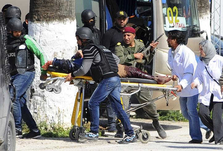 Túnez: 22 muertos en ataque a museo