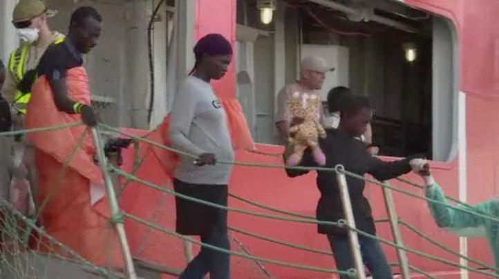 Rescatan a un millar de migrantes en el Mar Mediterráneo