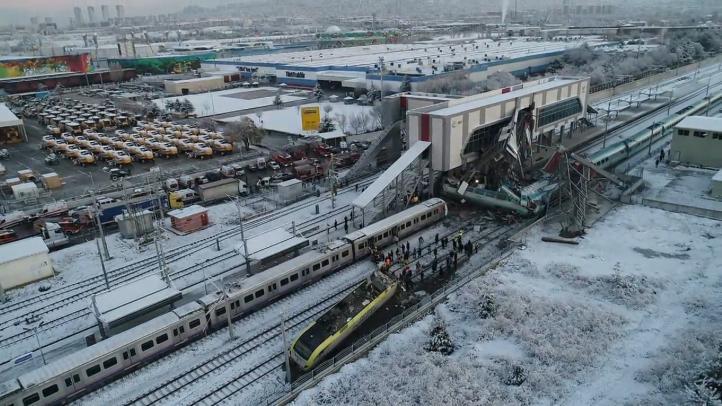 Nueve muertos y 46 heridos por choque de trenes en Ankara