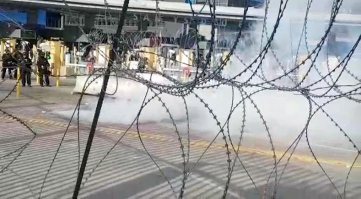 Simulacro con gases lacrimógenos en El Chaparral