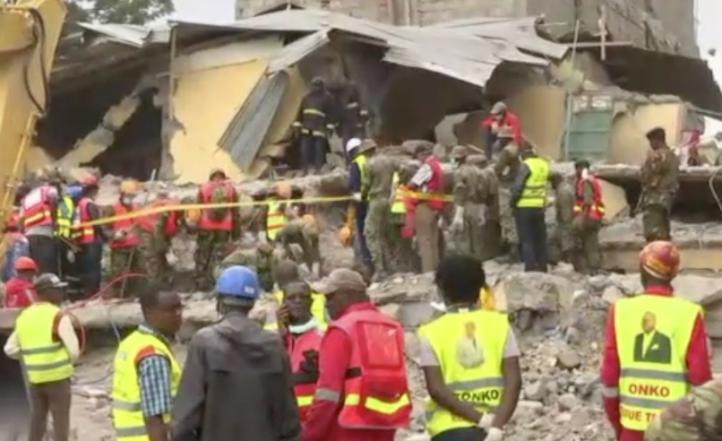 Sobrevive mujer durante seis días en edificio colapsado