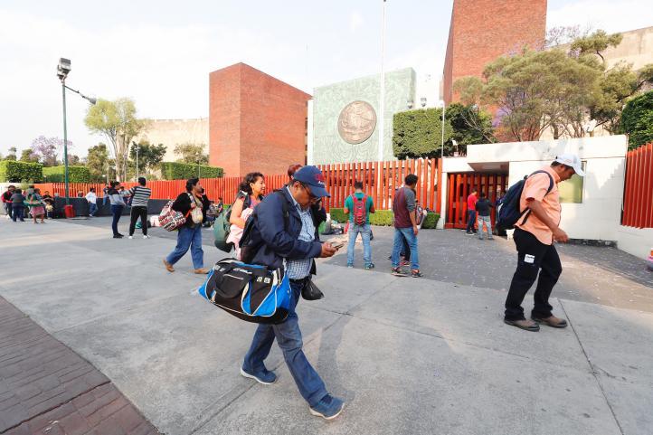 Reabre Cámara de Diputados tras levantarse plantón de CNTE