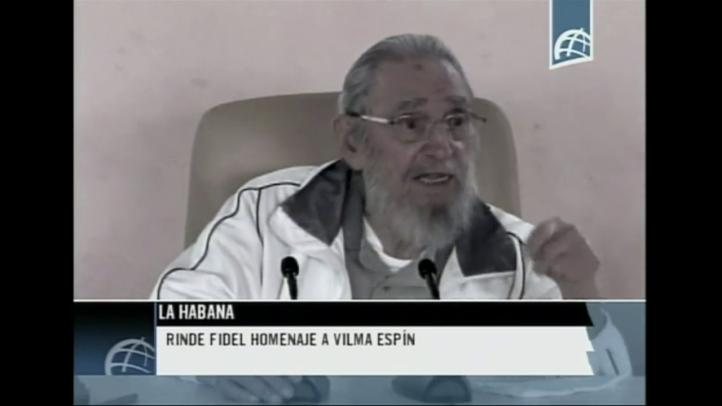 Fidel Castro reaparece en acto público después de 9 meses