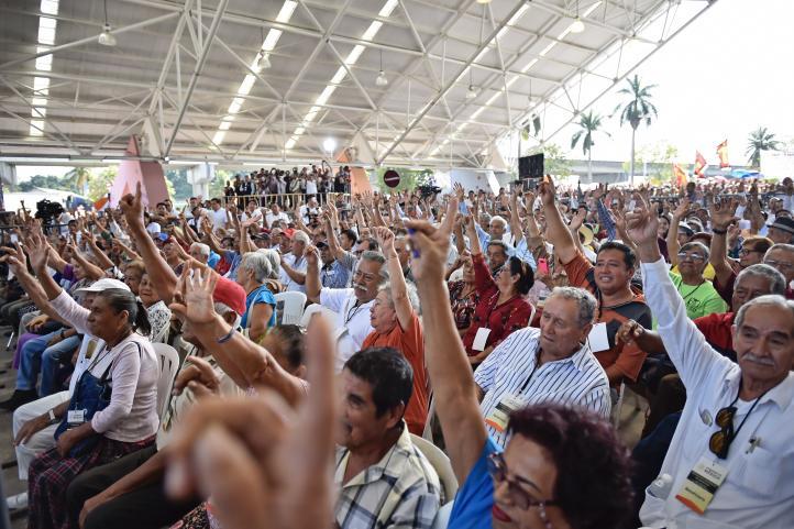 Veracruzanos apoyan que AMLO evite confrontación con Trump