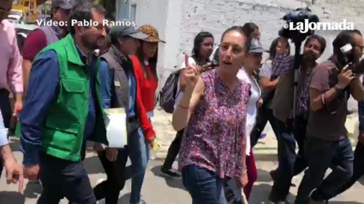 Entre protestas, Sheinbaum supervisa reconstrucción en Tláhuac