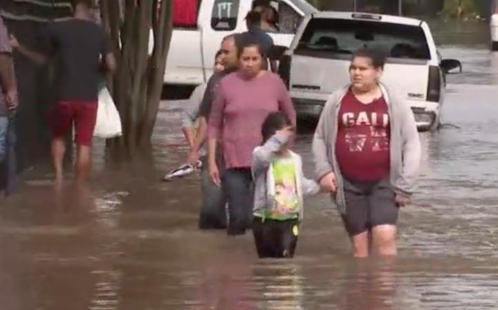 Lluvias en Texas dejan un saldo de al menos cinco personas muertas
