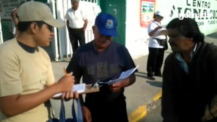 Encuestadores abordan a votantes en inmediaciones de casilla de Chimalhuacán