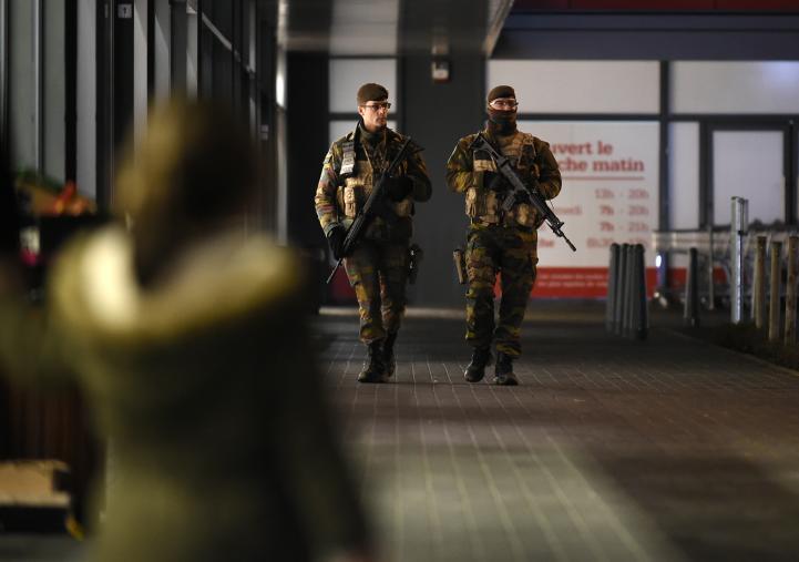 Bruselas trata de volver a la normalidad pese a alerta antiterrorista