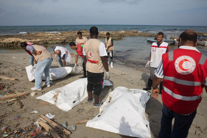 Más de 95 cuerpos de migrantes aparecen en la costa de Libia