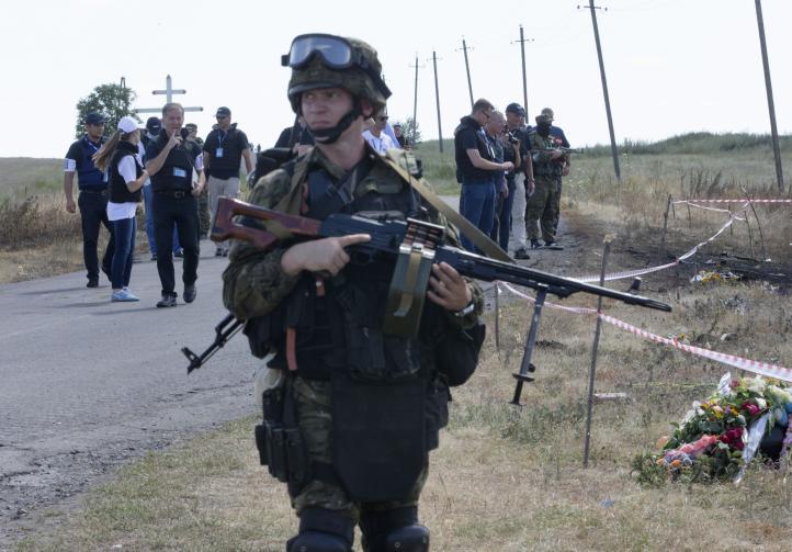 Rebeldes prorrusos acceden a entregar cajas negras del avión derribado en Ucrania