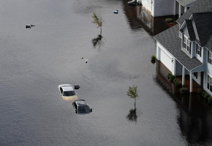 Hay más inundaciones a medida que Florence avanza