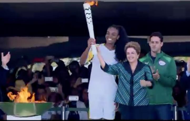 Llega antorcha olímpica a Brasil