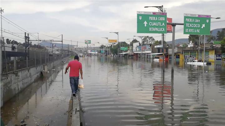 Inundación en la Calzada Ignacio Zaragoza