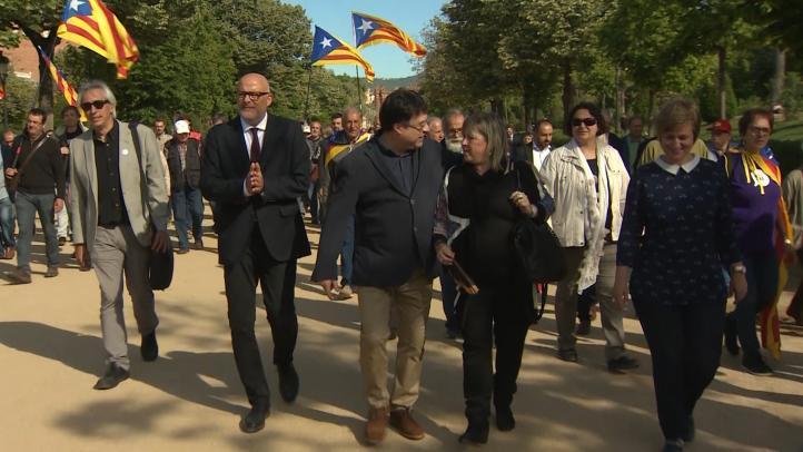 Tribunal español no juzgará a 6 independentistas catalanes