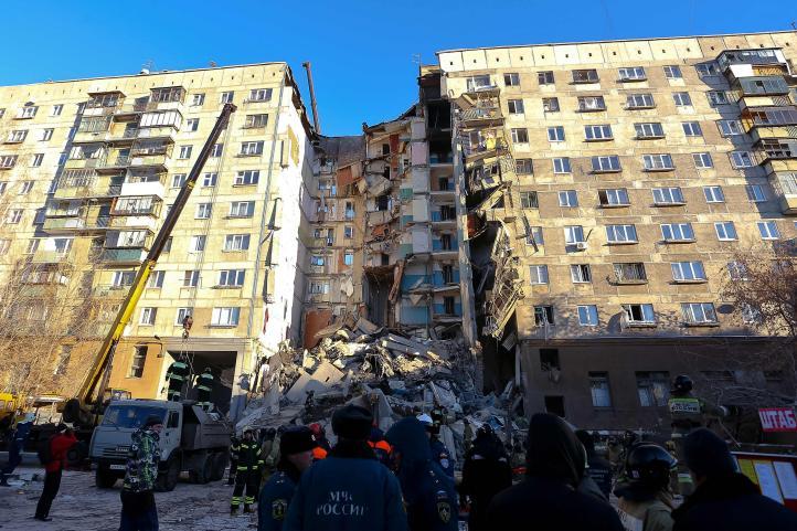 Rusia: cuatro muertos por derrumbe de edificio habitacional