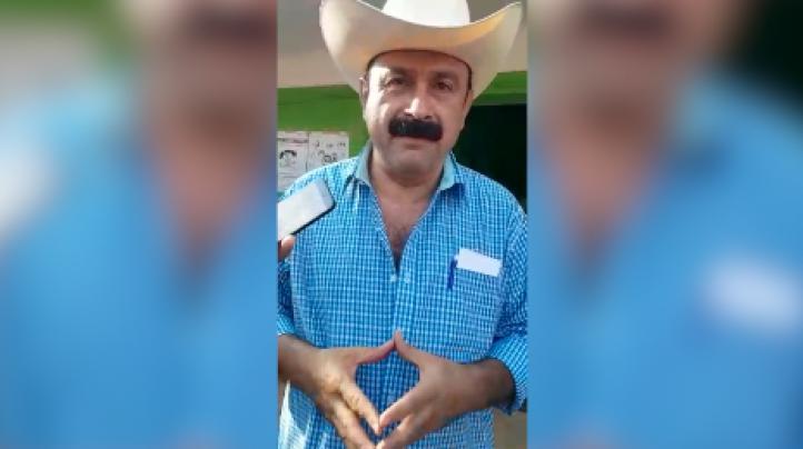 Vota Hilario Ramírez 'Layín', candidato independiente a la gubernatura de Nayarit