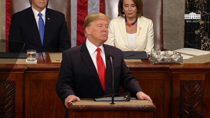 En su discurso del Estado de la Unión, Trump insiste en el muro