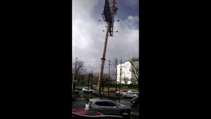 Caída de anuncio espectacular en Metepec, Estado de México